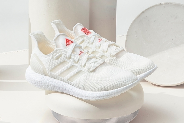 Nachhaltige Laufschuhe von Adidas @shopmee