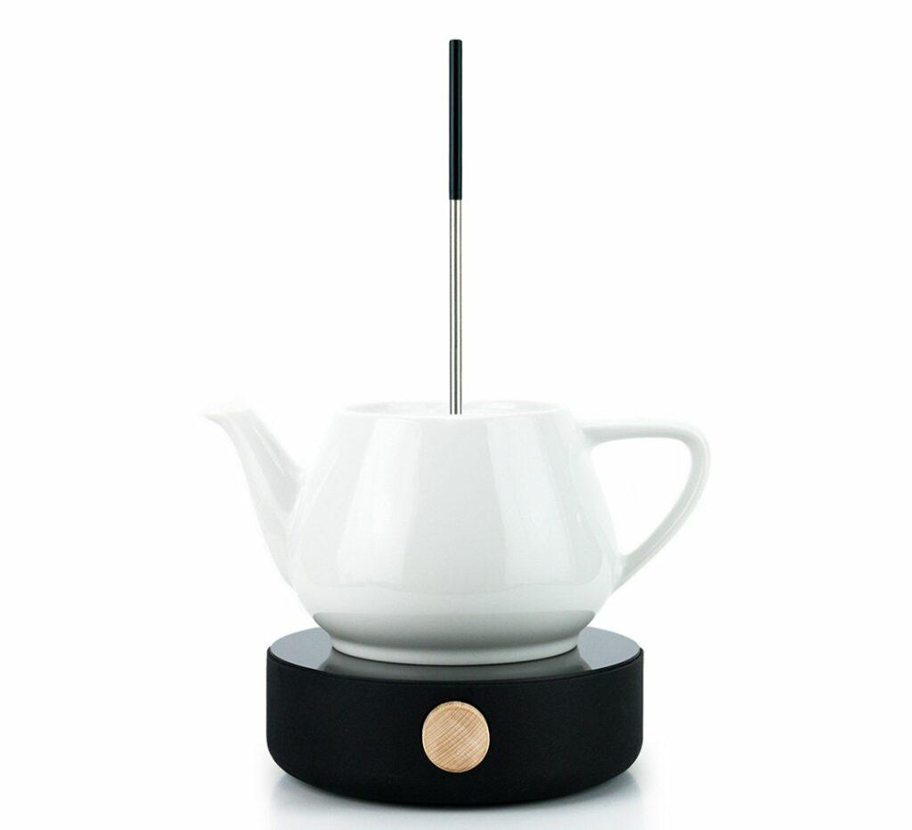 Ein Heatle Gerät mit weißer Teekanne